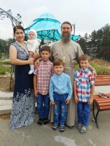Семья отца Александра и матушки Елены, 2016 г.